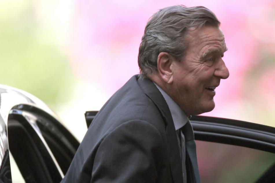 Bomben-Drohung beim Geburtstag von Altkanzler Schröder: Täter muss ins Gefängnis