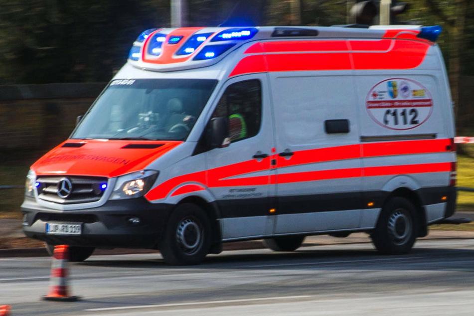 Nach einem Frontalzusammenstoß auf der L35 mussten drei Menschen schwer verletzt ins Universitätsklinikum Greifswald gebracht werden. (Symbolfoto)
