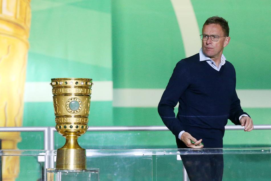 Ralf Rangnick (62) hält den ersten Titelgewinn von RB Leipzig in der laufenden Saison für möglich. (Archivbild)