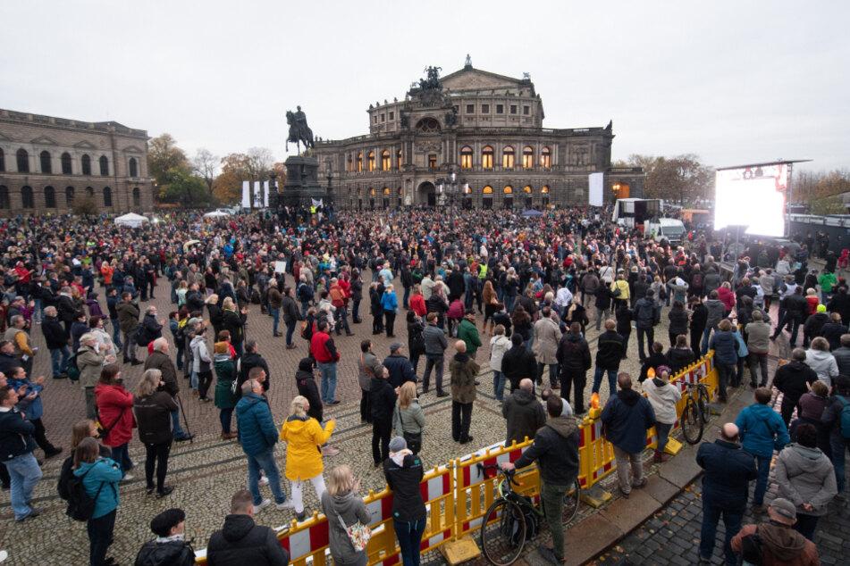 Coronavirus: Mehrere Tausend Menschen bei Corona-Protesten