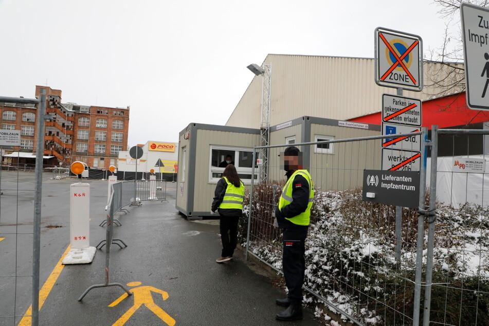 Das Chemnitzer Impfzentrum im ehemaligen Netto-Markt eröffnete am Montag.