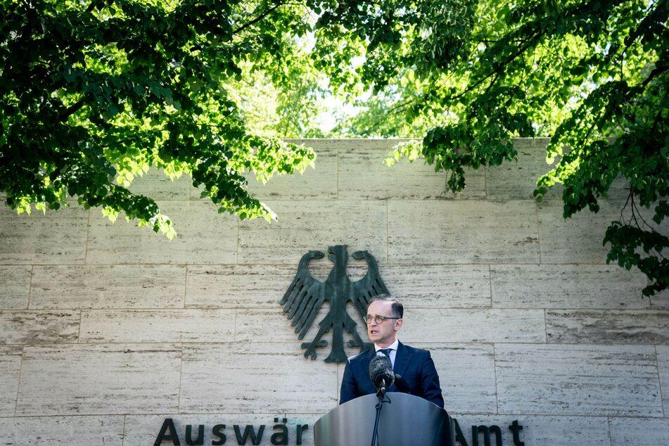 Heiko Maas (SPD), Außenminister, gibt ein Pressestatement vor dem Auswärtigen Amt.