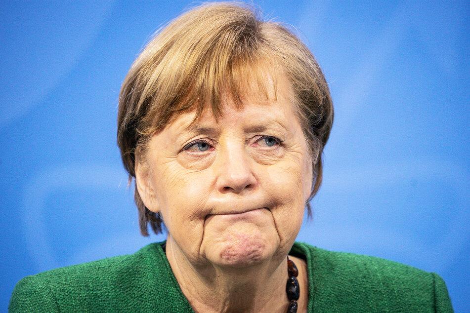 Angela Merkel (66, CDU) gab in der vergangenen Nacht die neuen Regeln bekannt. Grund zur Freude hat sie dabei offenbar nicht.