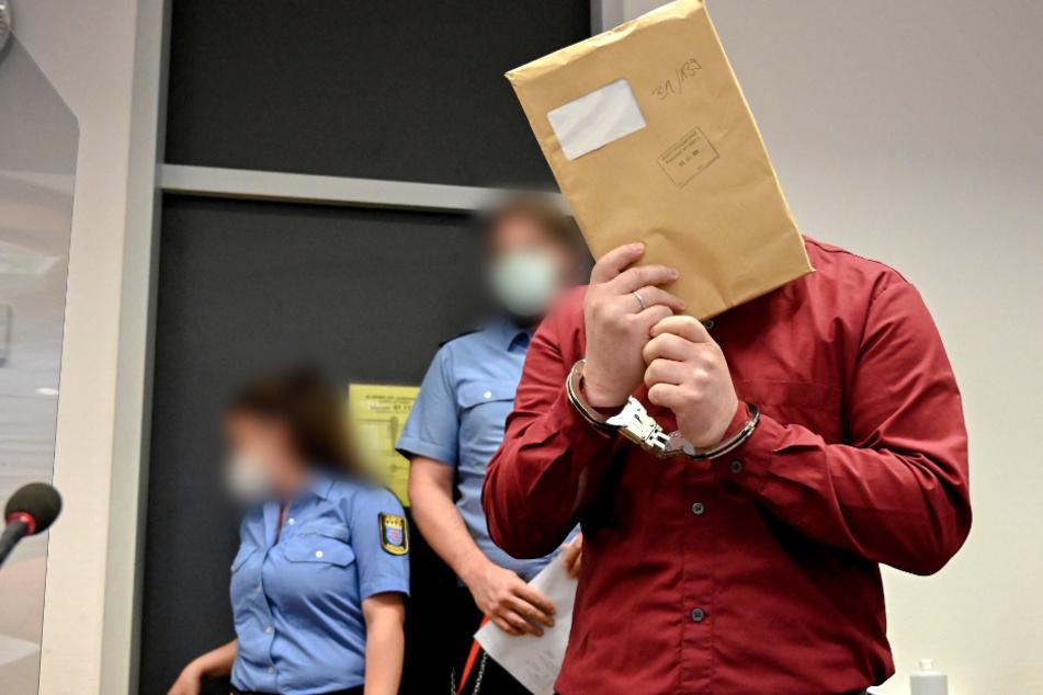 Mann soll Säugling und Stiefkind sexuell missbraucht haben: Urteil erwartet