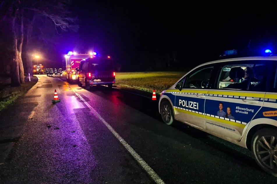Ein Autofahrer ist im brandenburgischen Geltow tödlich verunglückt.