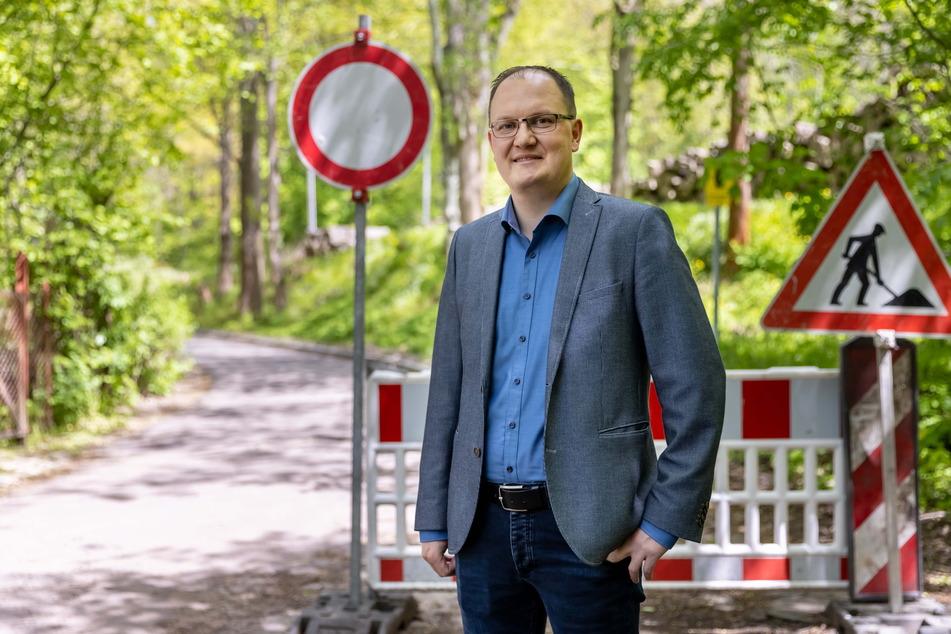 Corona hat hier fies reingegrätscht: Robert Haslinger (34) vom Zweckverband Chemnitztalradweg am derzeit noch gesperrten Abschnitt.