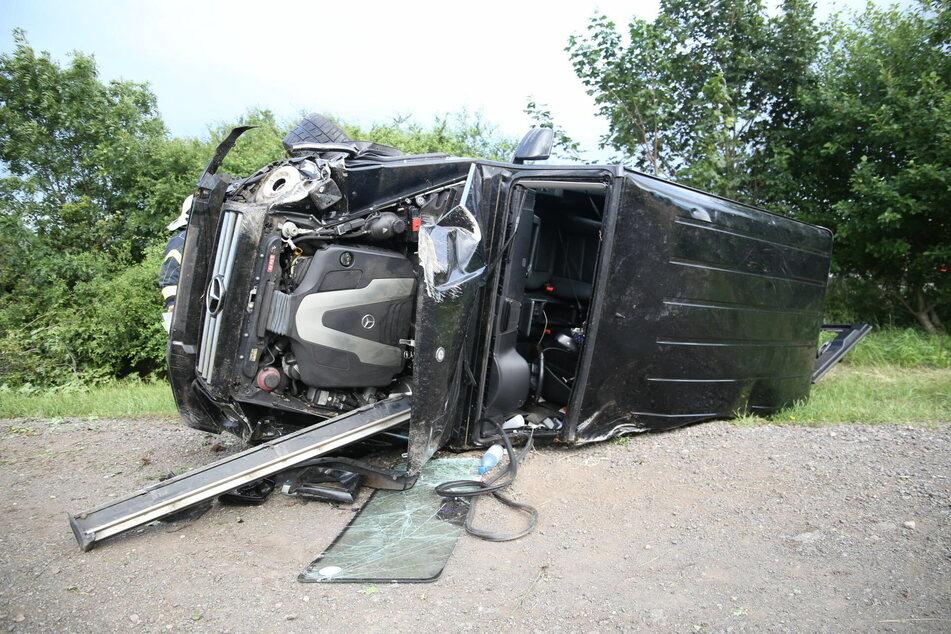 Mercedes kracht auf Pferdeanhänger: Sieben Verletzte bei Unfall auf A4