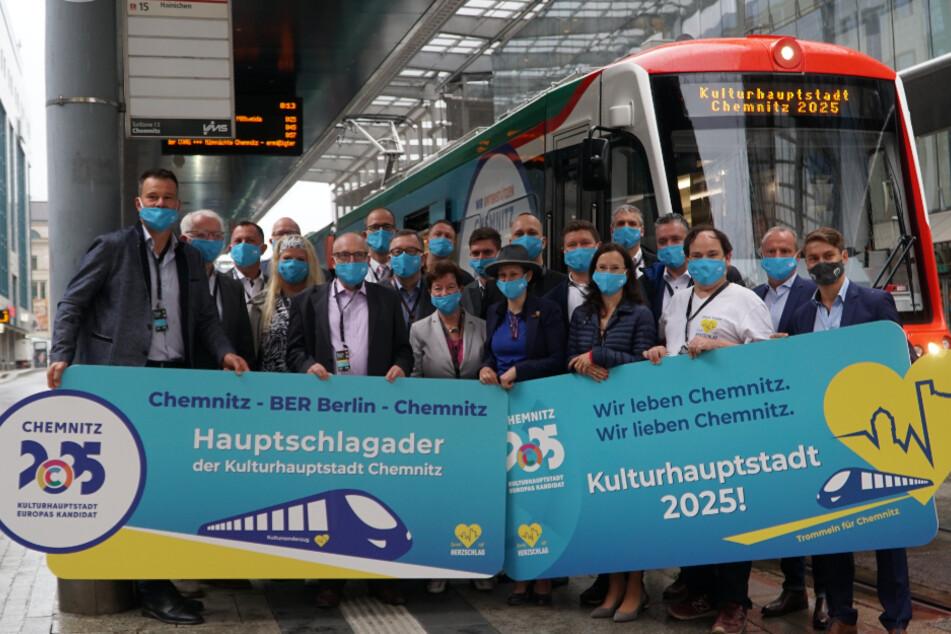 Um 8 Uhr stieg die Delegations-Vorhut an der Zenti ein. Ab Chemnitz ging es in gut zwei Stunden über Elsterwerda in die Hauptstadt.