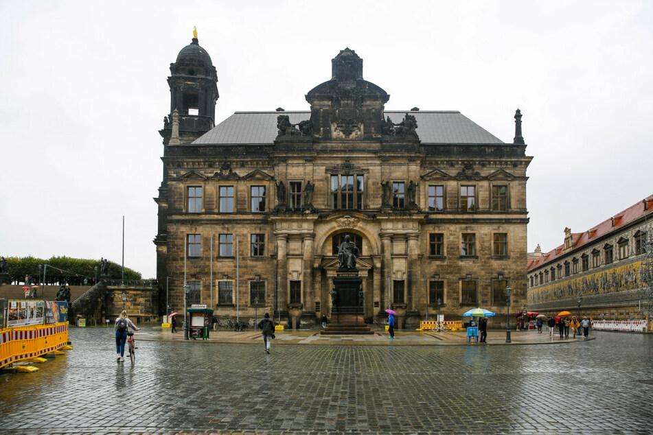 Der Schlossplatz an der Brühlschen Terrasse in der Dresdner Altstadt. Hier wurde ein Mann Opfer eines Gewaltverbrechens. (Symbolbild)