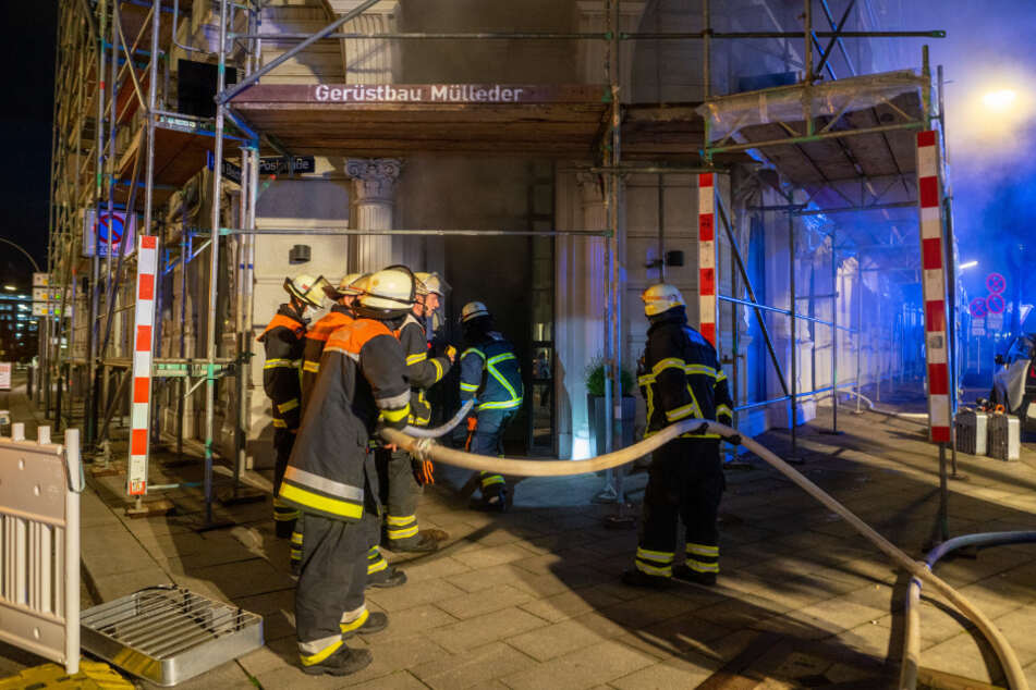Hamburg: Feuer-Alarm in Hamburger City! Luxusläden in Gefahr