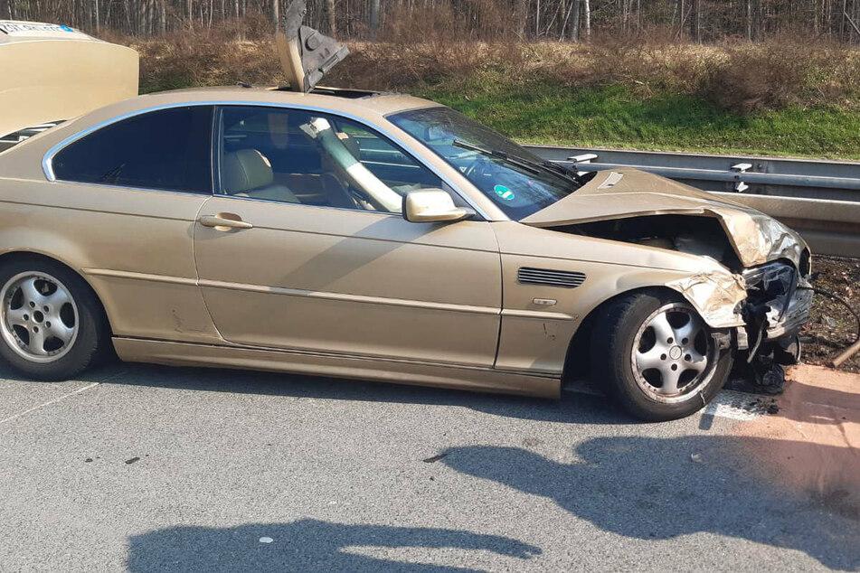 Unfall A12: BMW-Fahrer verliert die Kontrolle: Drei Schwerverletzte bei Crash auf A12