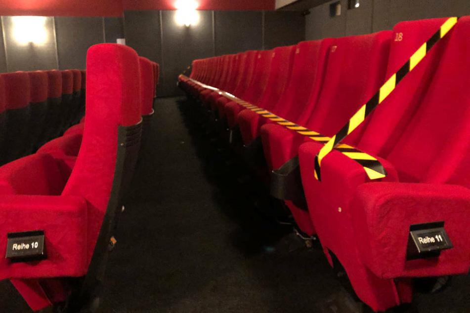 Auch in Kinos sollen ab der kommenden Woche die Corona-Beschränkungen gelockert werden (Archivbild).