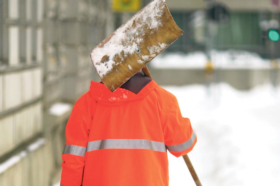 Auch die Kosten für den Winterdienst vor Miethäusern landen in der Nebenosten-Abrechnung.