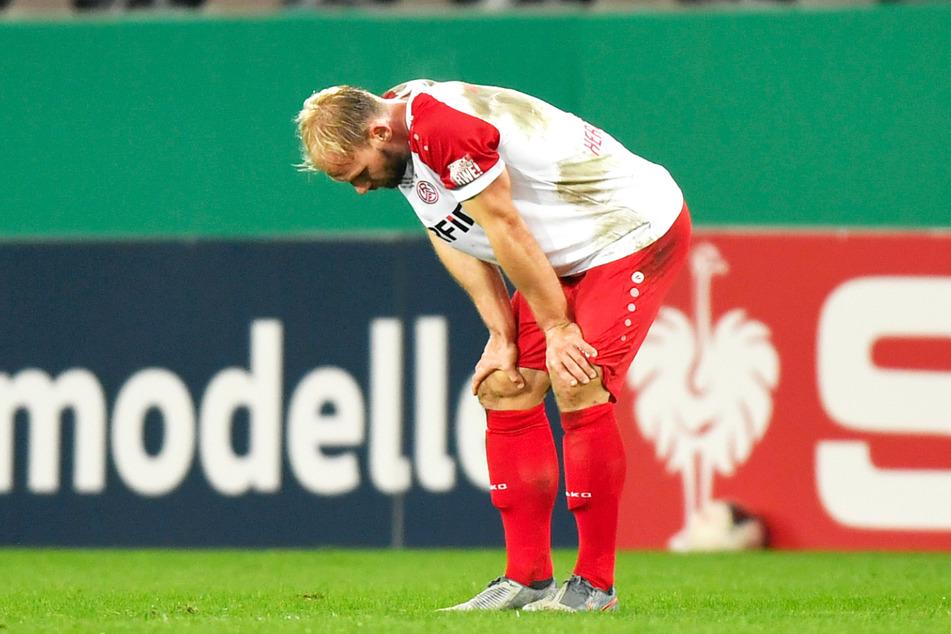 RWE-Verteidiger Felix Herzenbruch (28) hat wie sein Team alles in die Waagschale geworfen, musste aber eine bittere 0:3-Niederlage einstecken.