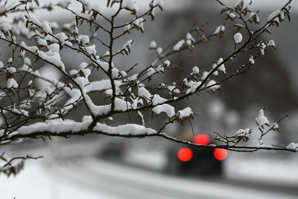 Am Neujahrstag kann es mancherorts Schneegriesel oder Schnee geben, die Temperaturen liegen bei Null Grad. (Symbolfoto)