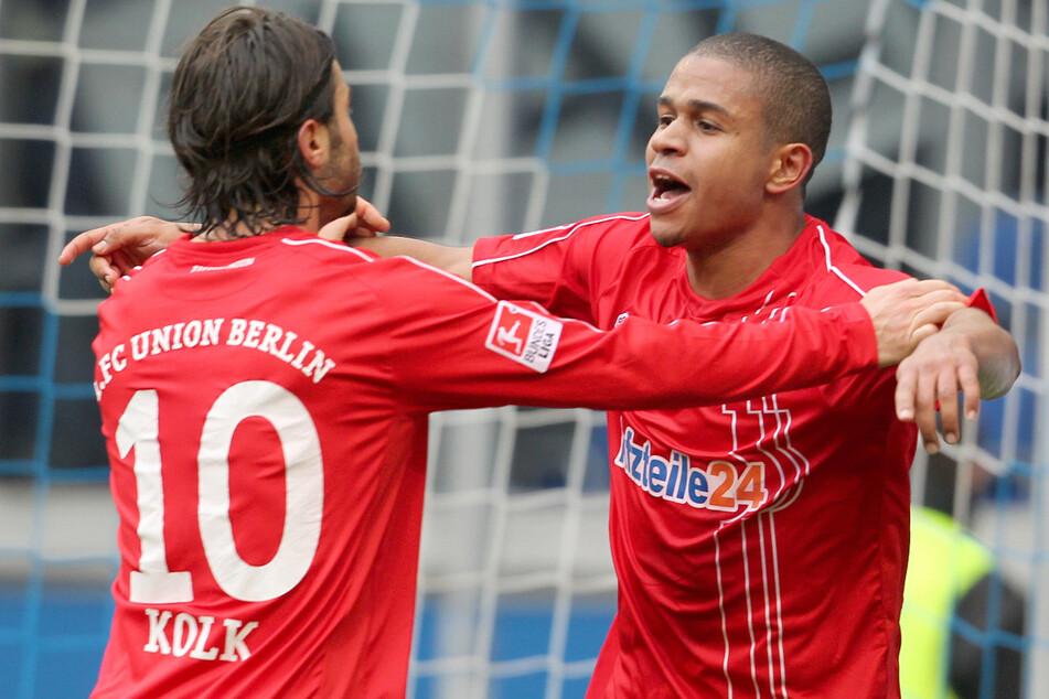 Chinedu Ede (r.) jubelt mit Santi Kolk über seinen Treffer gegen den MSV Duisburg. Sein Pofidebüt gab der Außenbahnspieler einst bei Hertha.