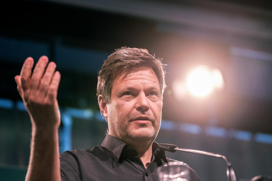 Robert Habeck (51, Die Grünen) hat einiges am bundesweiten Gesetz zur Corona-Notbremse auszusetzen.