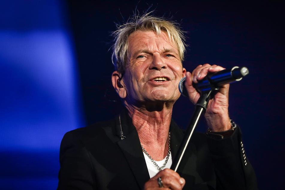 """Matthias Reim tritt bei der """"Schlagernacht des Jahres"""" im Oktober 2019 auf. Der Sänger hat nach eigenen Worten keine Probleme mit Falten und Furchen."""