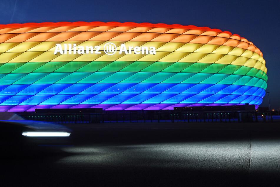 Das Münchner Stadion darf beim EM-Spiel der Nationalmannschaft gegen Ungarn am Mittwoch nicht in Regenbogen-Farben beleuchtet werden.
