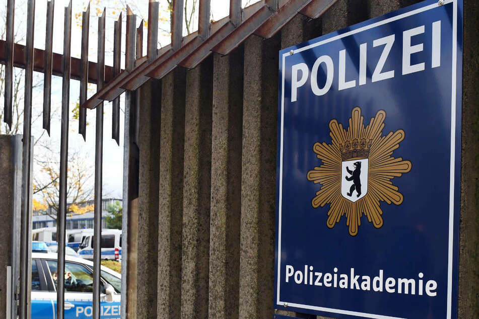 In der Polizeiakademie in Berlin-Ruhleben sind im Spind des Verdächtigen Beweise sichergestellt worden. (Archivfoto)