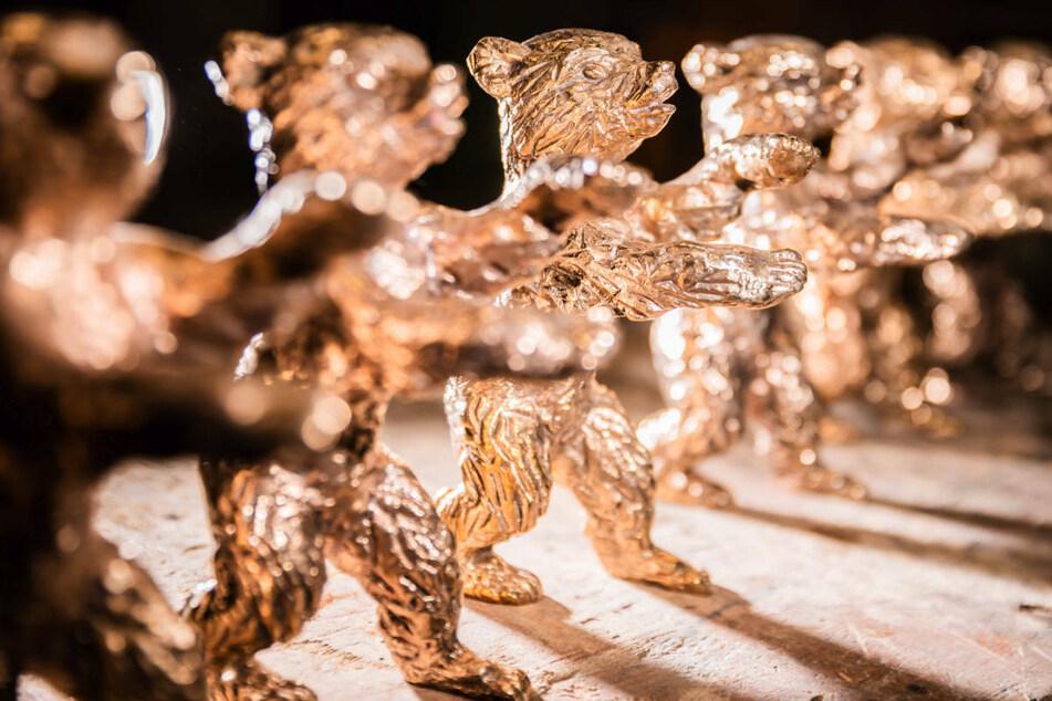 Der Goldene Bär, die höchste Auszeichnung der Berlinale, wird im Jahr 2021 aufgrund der Corona-Pandemie in einer Online-Abstimmung vergeben.