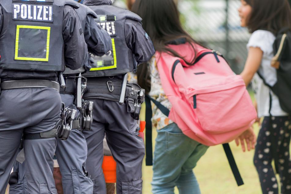 Verdächtige Messenger-Nachrichten? Plante 16-Jähriger in Schule Amoklauf mit Machete?