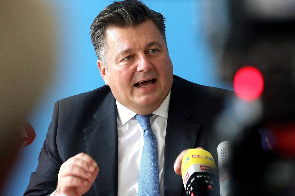 """Berlins Innensenator Andreas Geisel (SPD) zeigt sich besorgt über die geplante """"Querdenker""""-Demonstration an Silvester."""