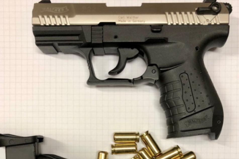 Köln: Nervöse Männer in Köln: Polizei beschlagnahmt Pistolen