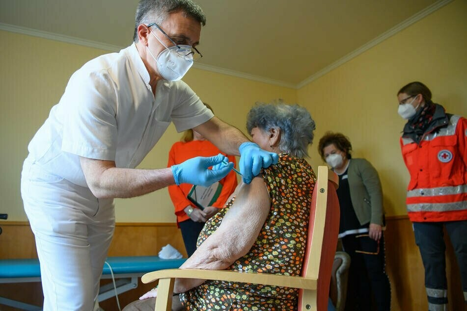 Seit Dezember wird in Sachsen geimpft. Die 85-Jährige Hanna Hertzsch aus Zwickau war die Erste.
