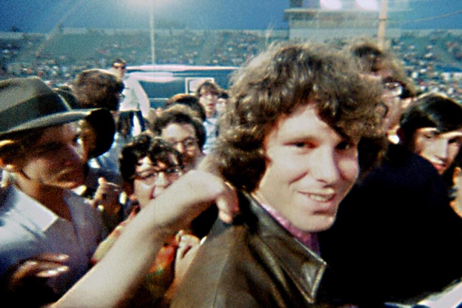 Wenn Jim Morrison auftrat, gab's für die jugendlichen Fans kein Halten mehr!