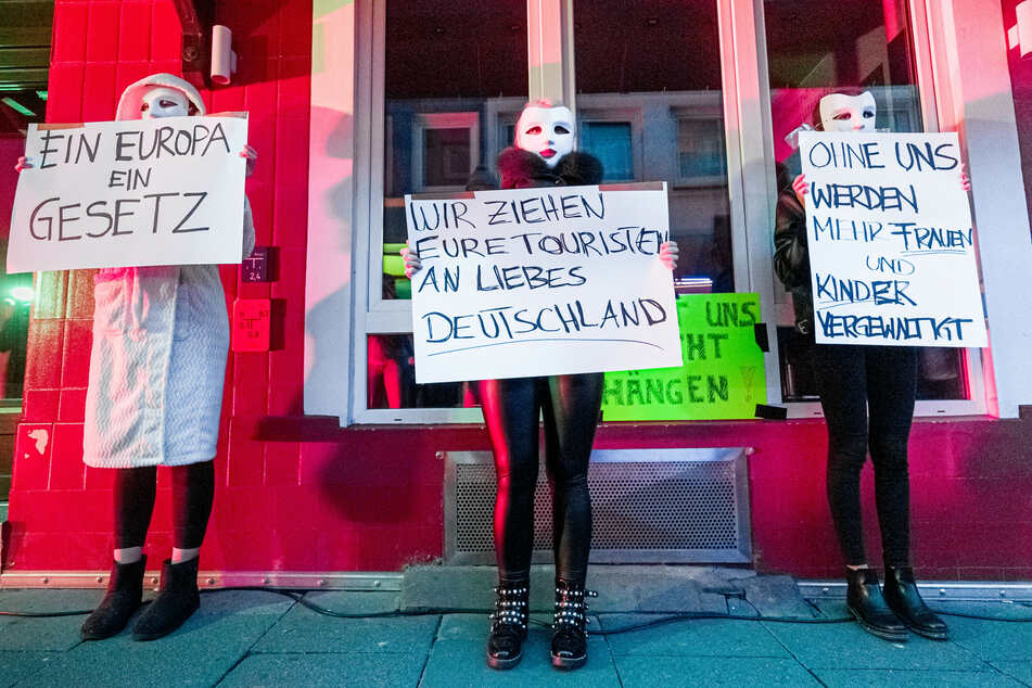 """""""Sexy Aufstand Reeperbahn"""": Prostituierte demonstrieren auf St. Pauli"""
