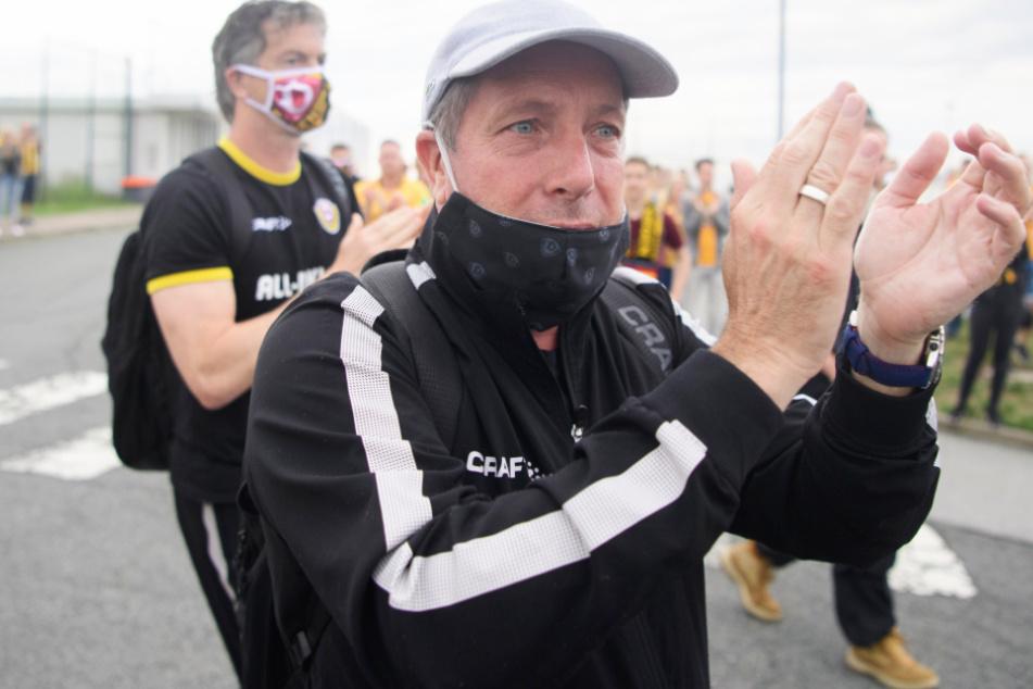 Dynamo-Coach Markus Kauczinski freute sich sehr über den warmen Empfang der Fans.