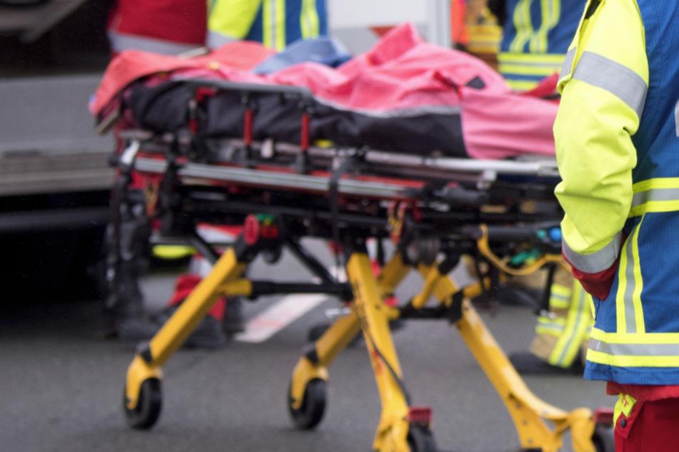 Eine Bikerin ist nach einem Unfall gestorben. (Symbolbild)