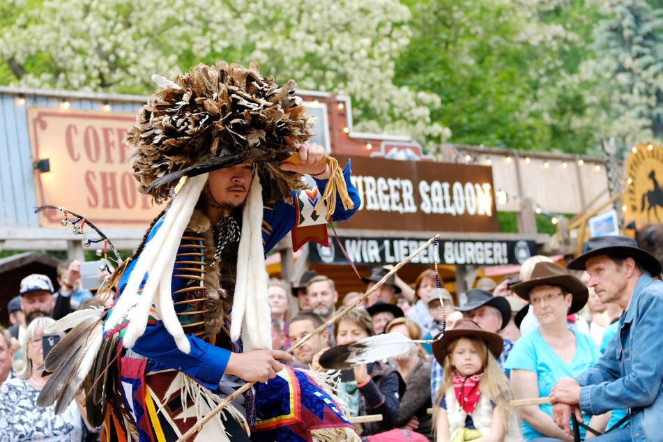 Bei früheren Karl-May-Festspielen waren auch leibhaftige Stammesmitglieder aus South Dakota dabei. Diesmal fiel die Sause aus.