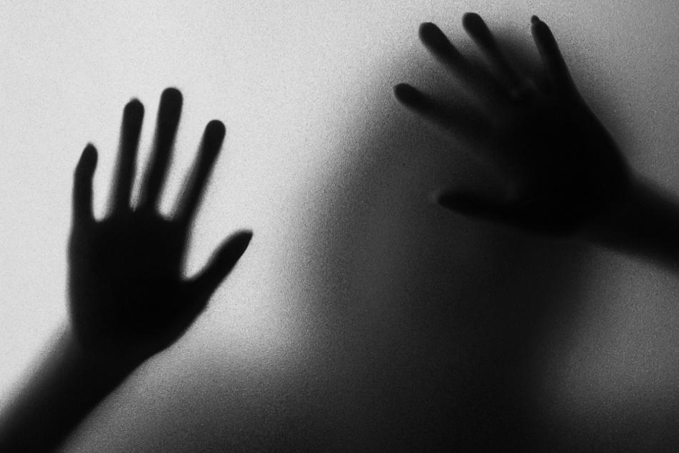 Vergewaltigt sohn mama Neues aus