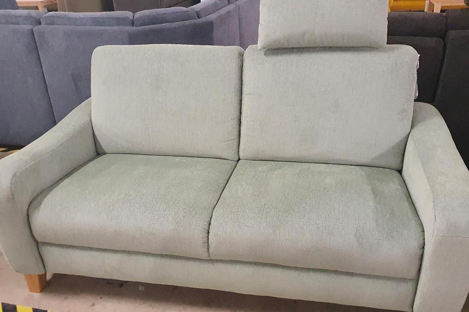 Höffner verkauft dieses coole Sofa für kurze Zeit zum Hammerpreis