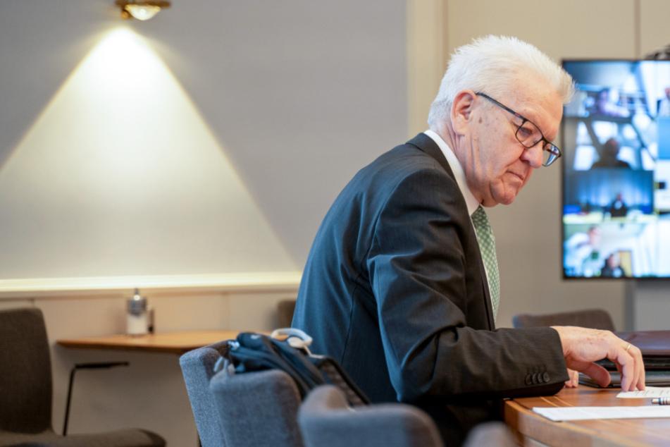 Kretschmann mit Appell an alle Bürger: Jeder muss helfen, Ausgangssperren zu verhindern