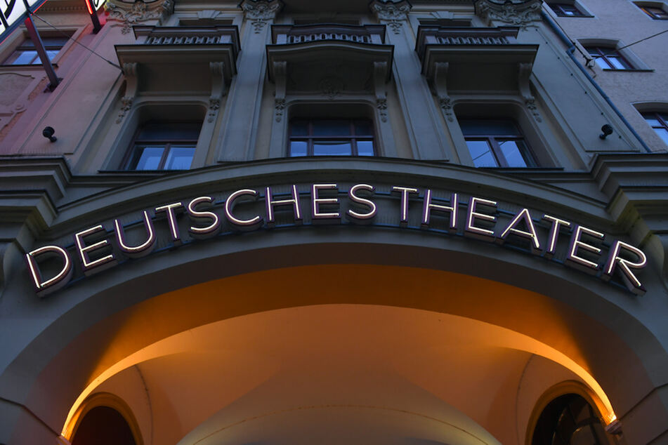 Der Münchner Stadtrat wird sich am Montag im Deutschen Theater versammeln.