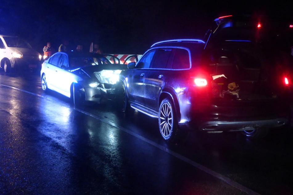 Frontal-Crash: Mutter mit vier Kindern unterwegs, mehrere Verletzte
