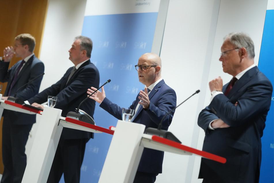 Obwohl sich die Deutsche Bahn und die GDL auf einen Tarifvertrag einigten, geht es nun vors Gericht.