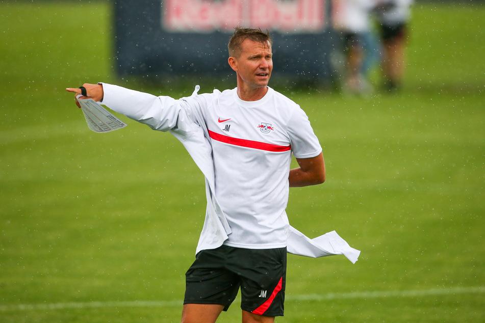 Leipzigs Trainer Jesse Marsch (47) gibt sich vor dem Spiel gegen Manchester City zuversichtlich. So langsam möchte nicht nur der Amerikaner wieder Erfolge bei den Bullen sehen. (Archivbild)