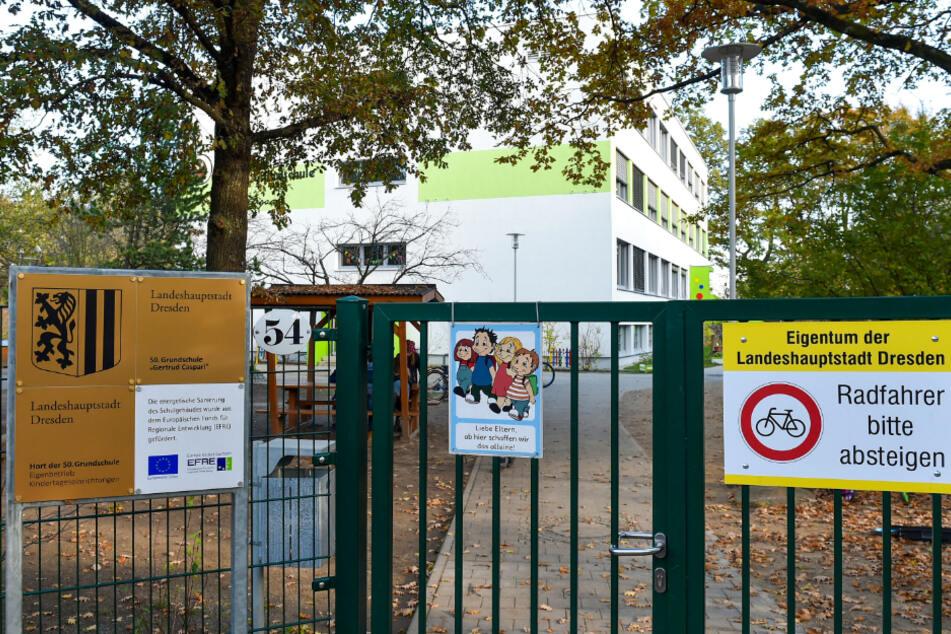 Nach einem Corona-Fall am Hort der 50. Grundschule in Klotzsche wurde die Quarantäne überraschend schnell wieder aufgehoben.