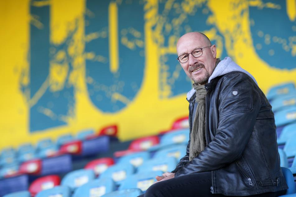 Er prägte eine Ära beim VfL Wolfsburg, verhalf Lok Leipzig beinahe zum Aufstieg: Wolfgang Wolf.^