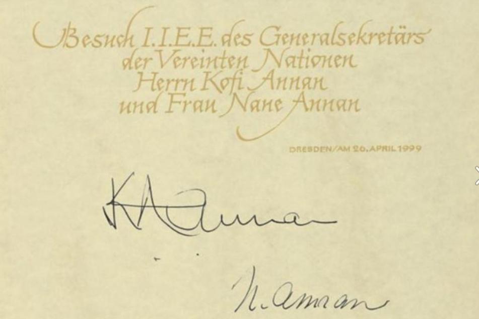 Der Gästebucheintrag des damaligen UN-Generalsekretärs Kofi Annan.