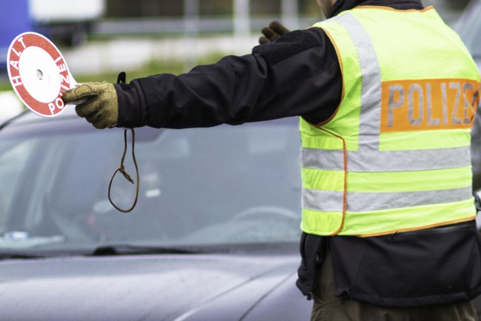 München: Polizei stoppt Autofahrer: Was dieser bei sich hat, wird ein großes Nachspiel haben!
