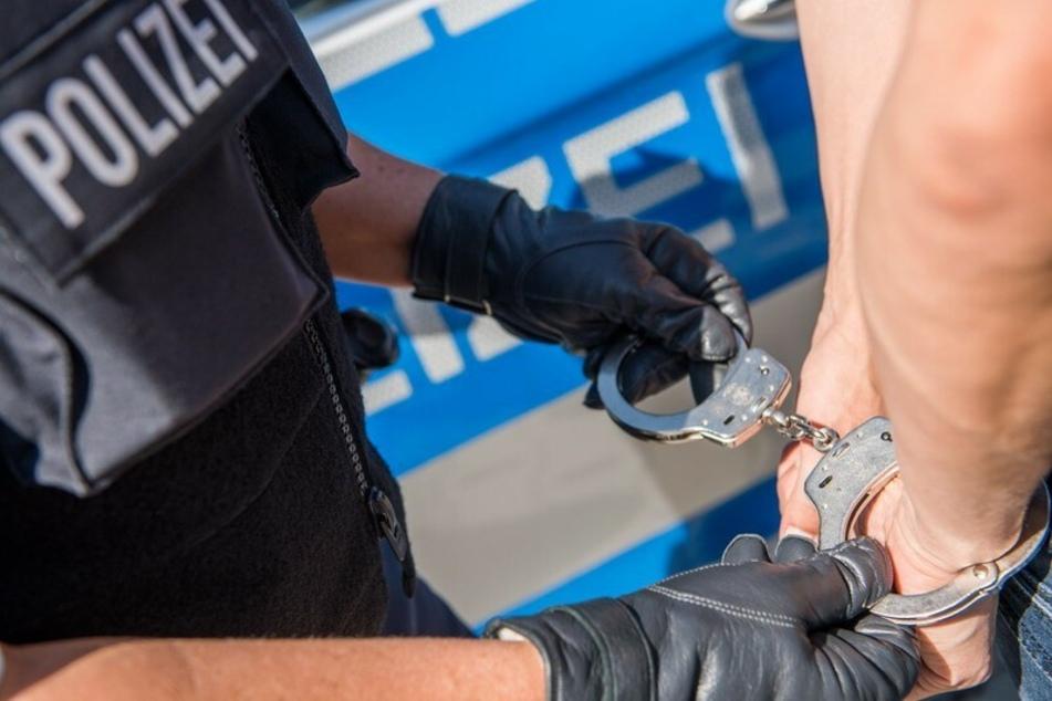 Häftlinge flüchten aus Knast: Polizei schnappt sie im Zug!