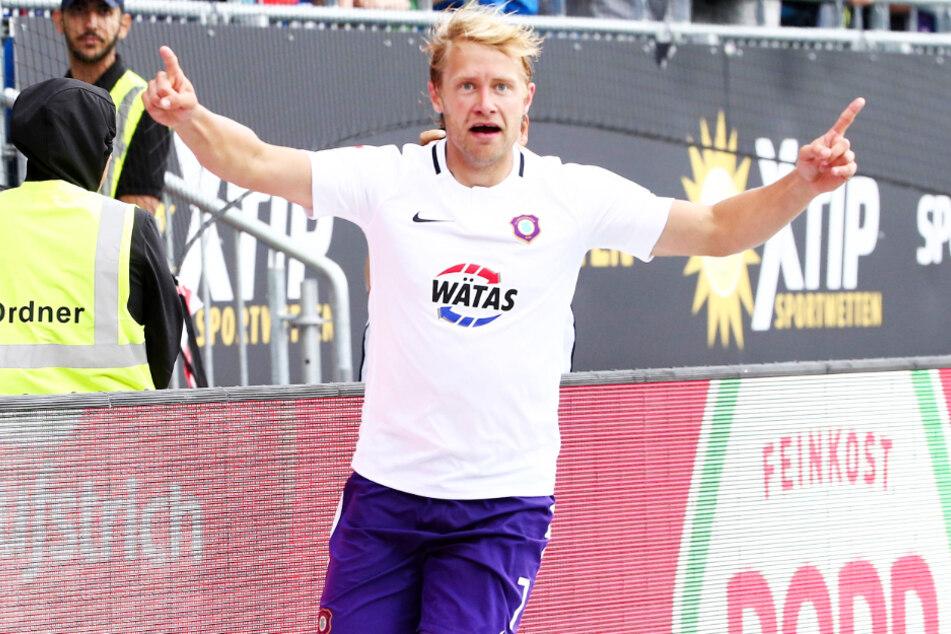 """Er ist bei """"FIFA 21"""" der beste Auer: Jan Hochscheidt. Das ist natürlich ein Grund zum Jubeln."""