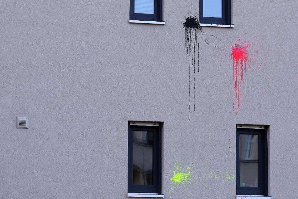 Dresden: Häuser in Dresden mit Farbe beworfen: Polizei schnappt sich einen der Täter
