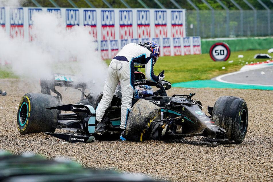Heftiger Crash bei der Formel 1: Zwei Wagen total Schrott, Rennen unterbrochen!