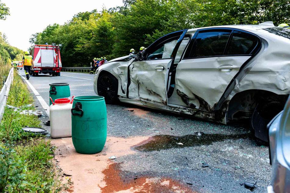 Insgesamt sechs Personen wurden bei dem Unfall auf der B260 bei Schlangenbad verletzt.